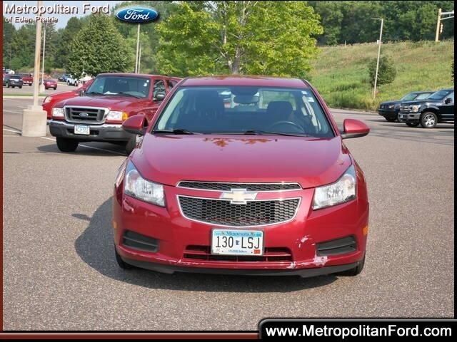Used 2014 Chevrolet Cruze 1LT with VIN 1G1PC5SB5E7285948 for sale in Eden Prairie, Minnesota